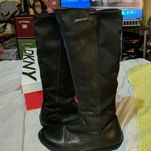 DKNY Frega Boot Black size 10 Zippers